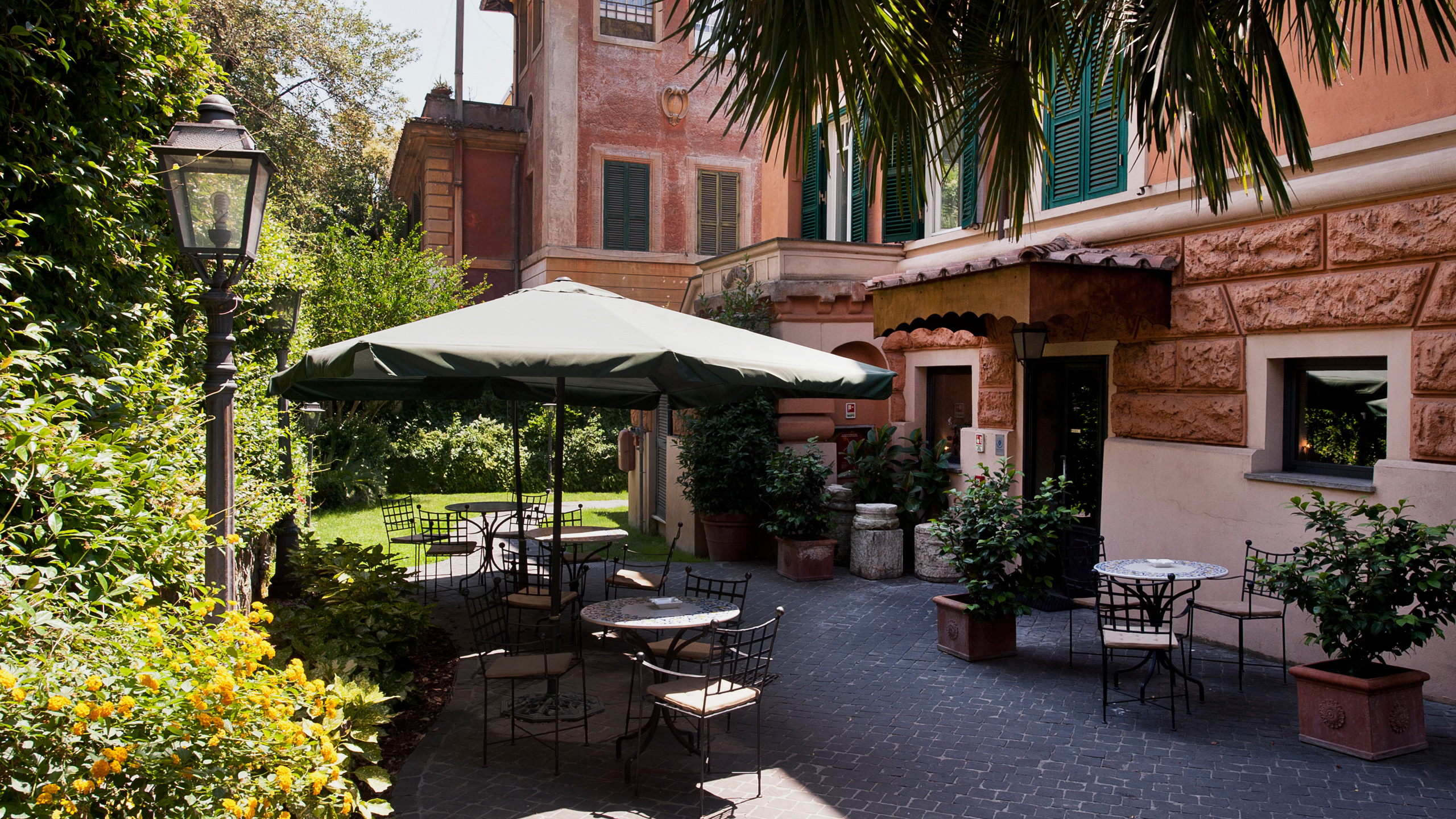 hotel-aventino-rome-external